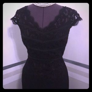 Adrianna Papell Black Lace evening dress size 6